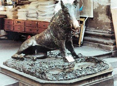 Florentine wild boar at the Straw Market